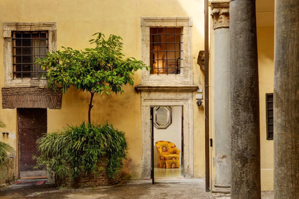 Navona Charming Flat - Courtyard