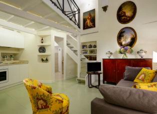 Navona Charming Flat - Living room